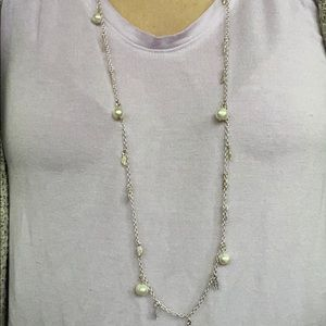 Jewelry - Silver leaves and pearls long necklace